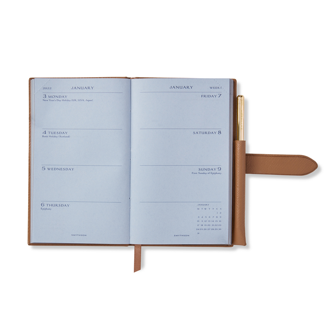Agenda Panama 2022 con matita dorata