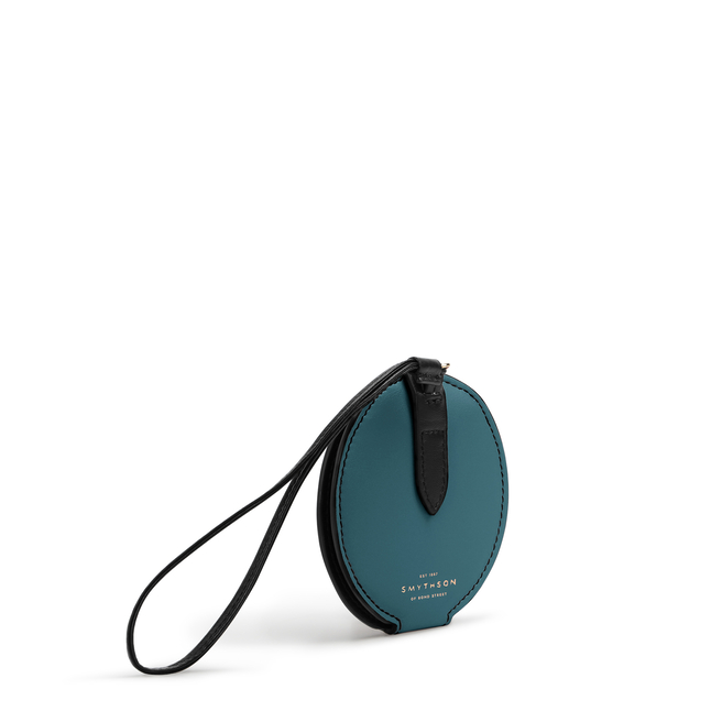 Circle Luggage Tag in Smooth Leather