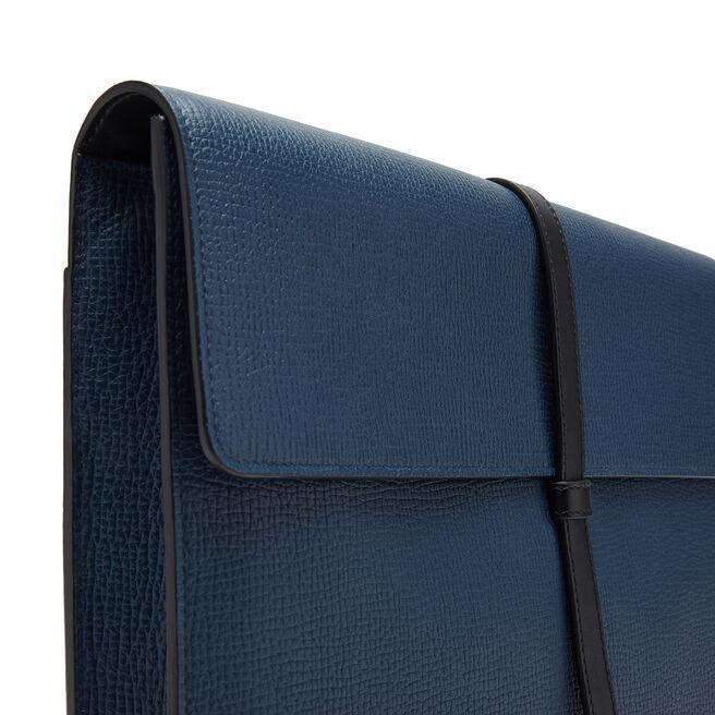 Loop Folio in Large Grain Leather